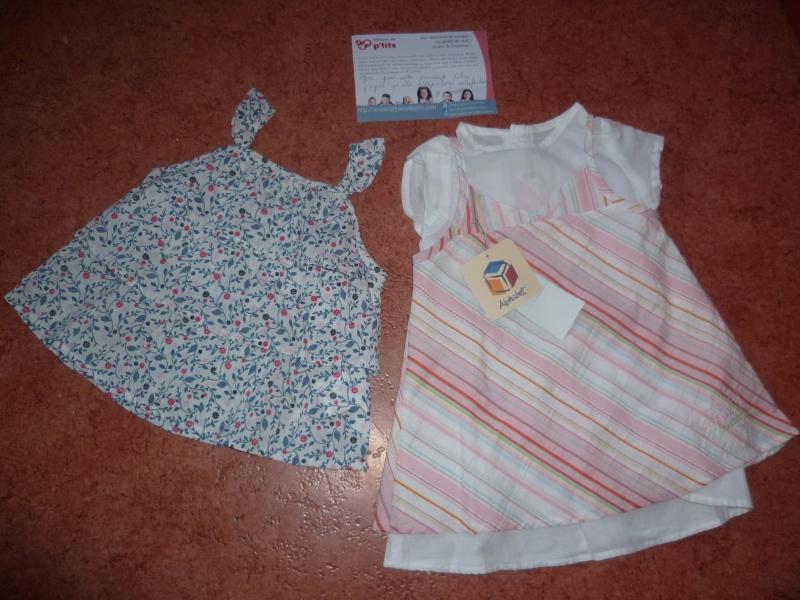 Un ensemble robe et chemisier neuf Alphabet, une blouse l'Enfant Do, le tout accompagné d'un petit mot personnalisé.